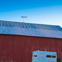 barn_and_horse_trailer